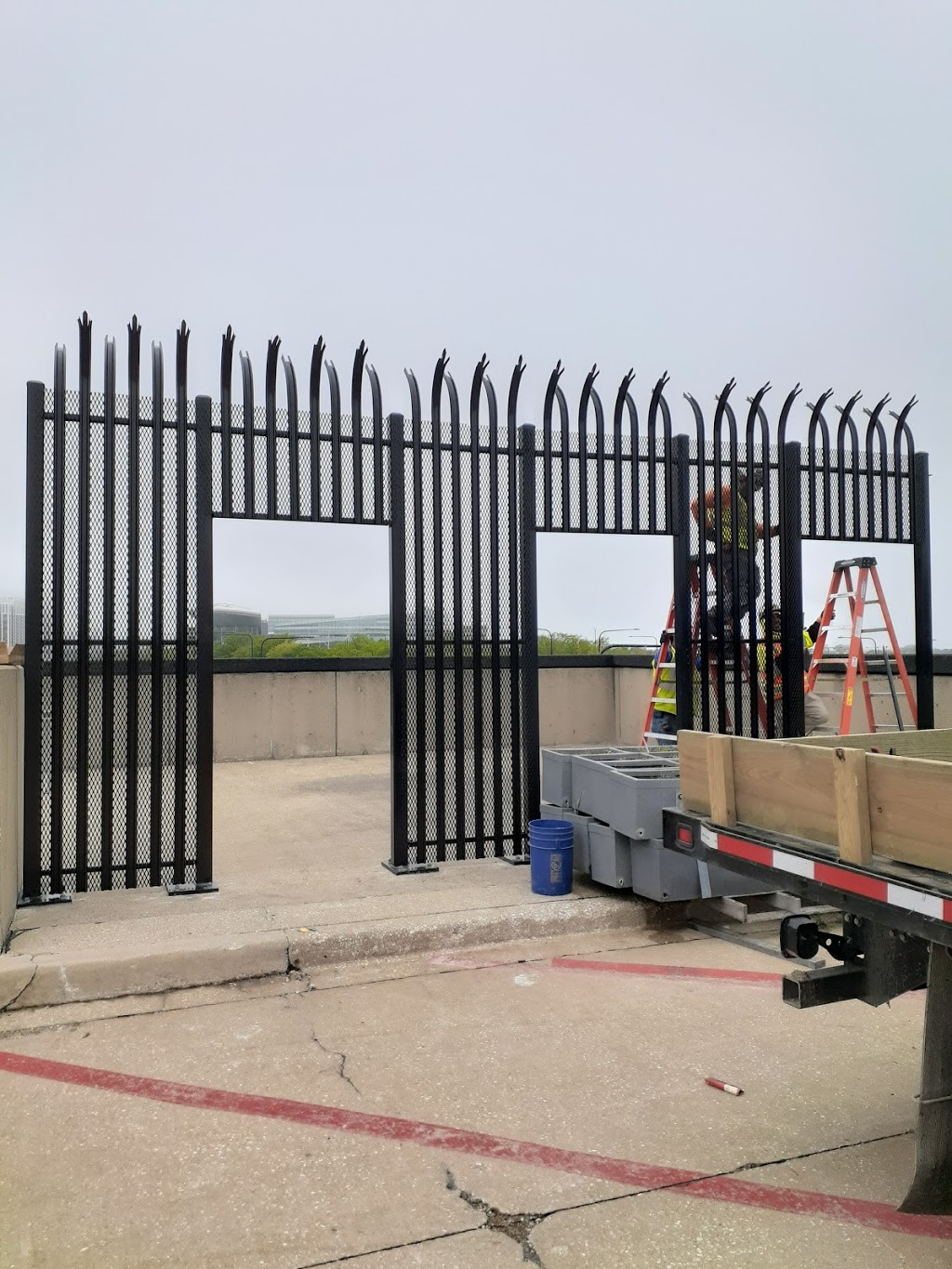 Industrial Fence Inc - general contractor    Photo 3 of 10   Address: 1300 S Kilbourn Ave # 3, Chicago, IL 60623, USA   Phone: (773) 521-9900