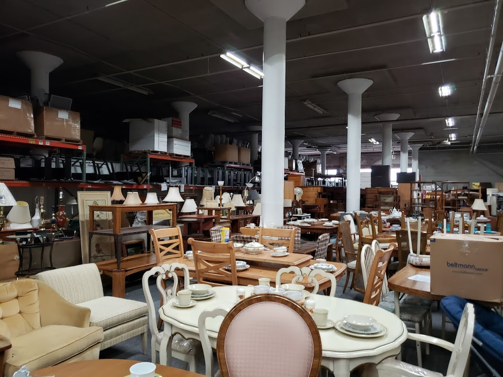 Chicago Furniture Bank - point of interest  | Photo 4 of 6 | Address: 4800 W Roosevelt Rd, Chicago, IL 60644, USA | Phone: (312) 752-0211