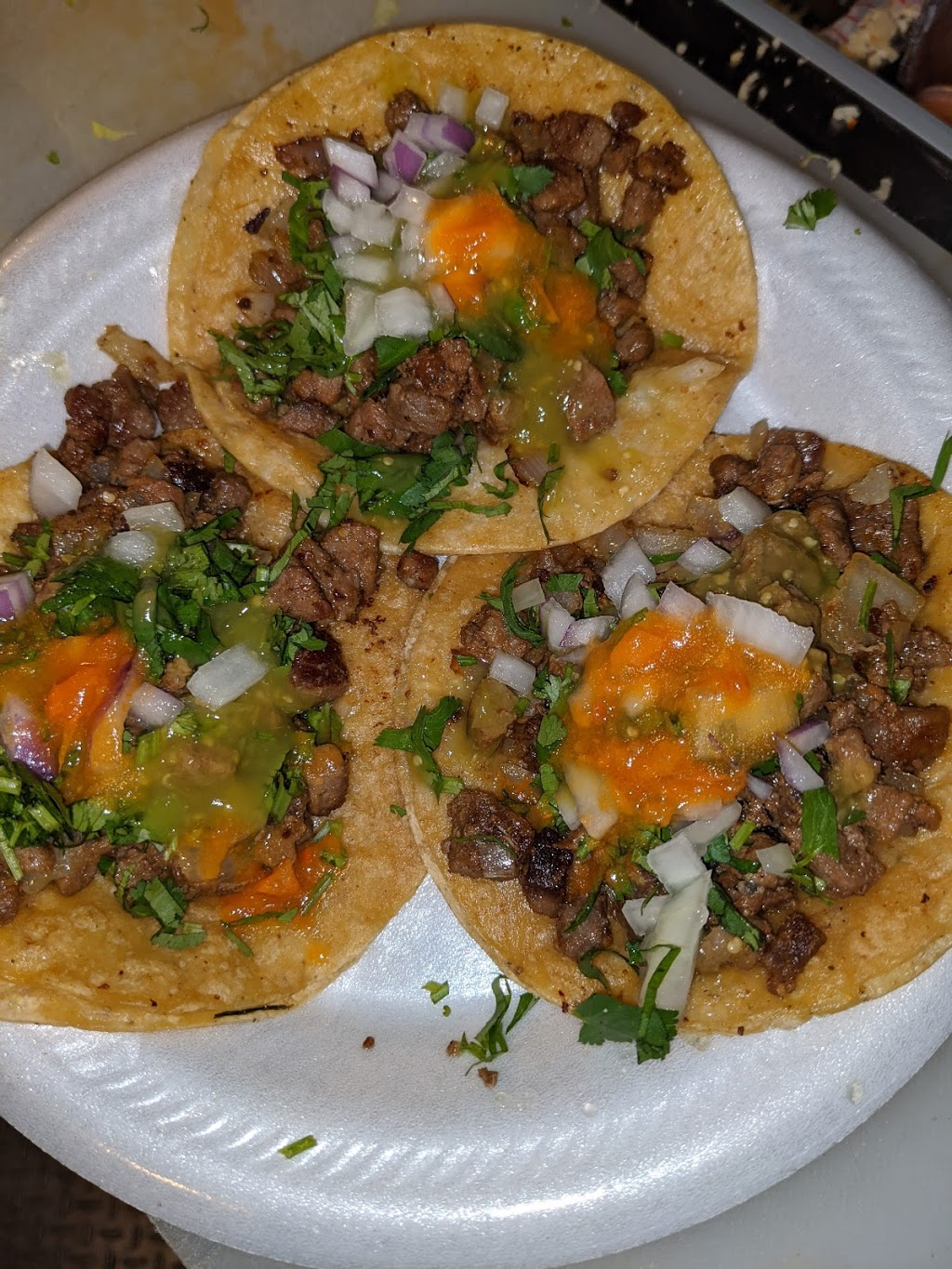 Panchitos Tacos Truck - restaurant  | Photo 5 of 10 | Address: 4900 W Gladys Ave, Chicago, IL 60644, USA | Phone: (773) 574-5964