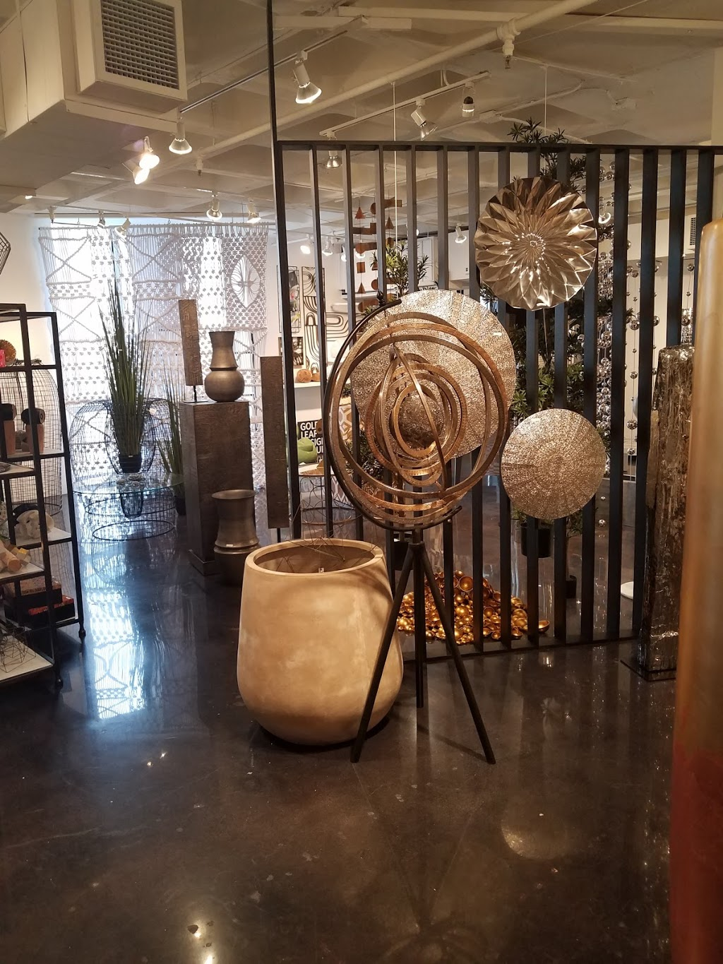 Gold Leaf Design Group - general contractor    Photo 6 of 10   Address: 1300 S Kostner Ave, Chicago, IL 60623, USA   Phone: (312) 738-1790