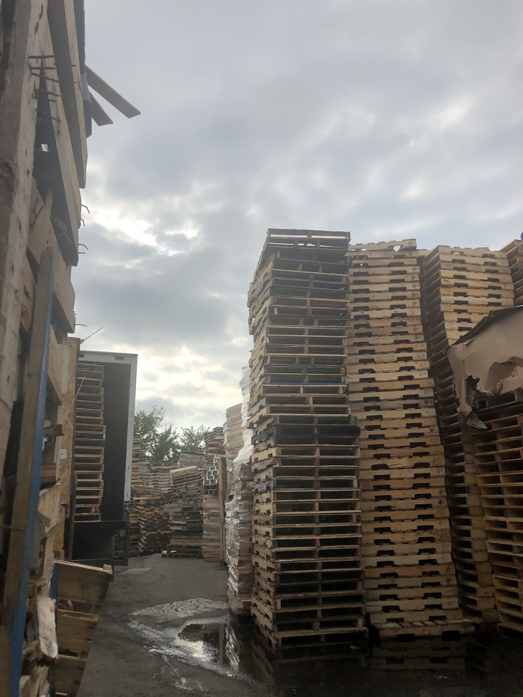J.A.P Pallets - point of interest  | Photo 2 of 10 | Address: 739 S Cicero Ave, Chicago, IL 60644, USA | Phone: (773) 368-2438