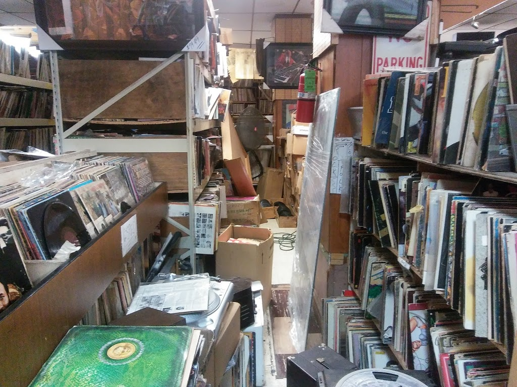 Out of the Past Records - electronics store  | Photo 3 of 10 | Address: 4407 W Madison St, Chicago, IL 60624, USA | Phone: (773) 626-3878