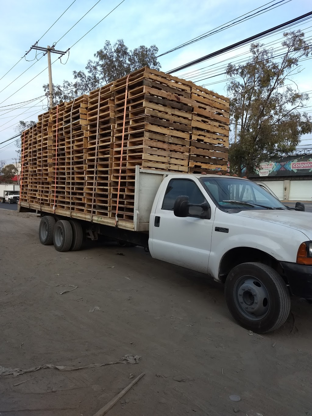 D & G Pallet Services Inc - point of interest    Photo 1 of 7   Address: 4445 W 5th Ave, Chicago, IL 60624, USA   Phone: (773) 265-8470