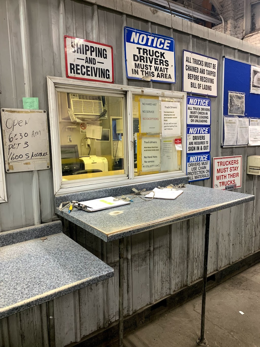 Charter Steel Trading Co Inc - point of interest  | Photo 1 of 10 | Address: 4401 Roosevelt Rd, Chicago, IL 60624, USA | Phone: (773) 522-3100