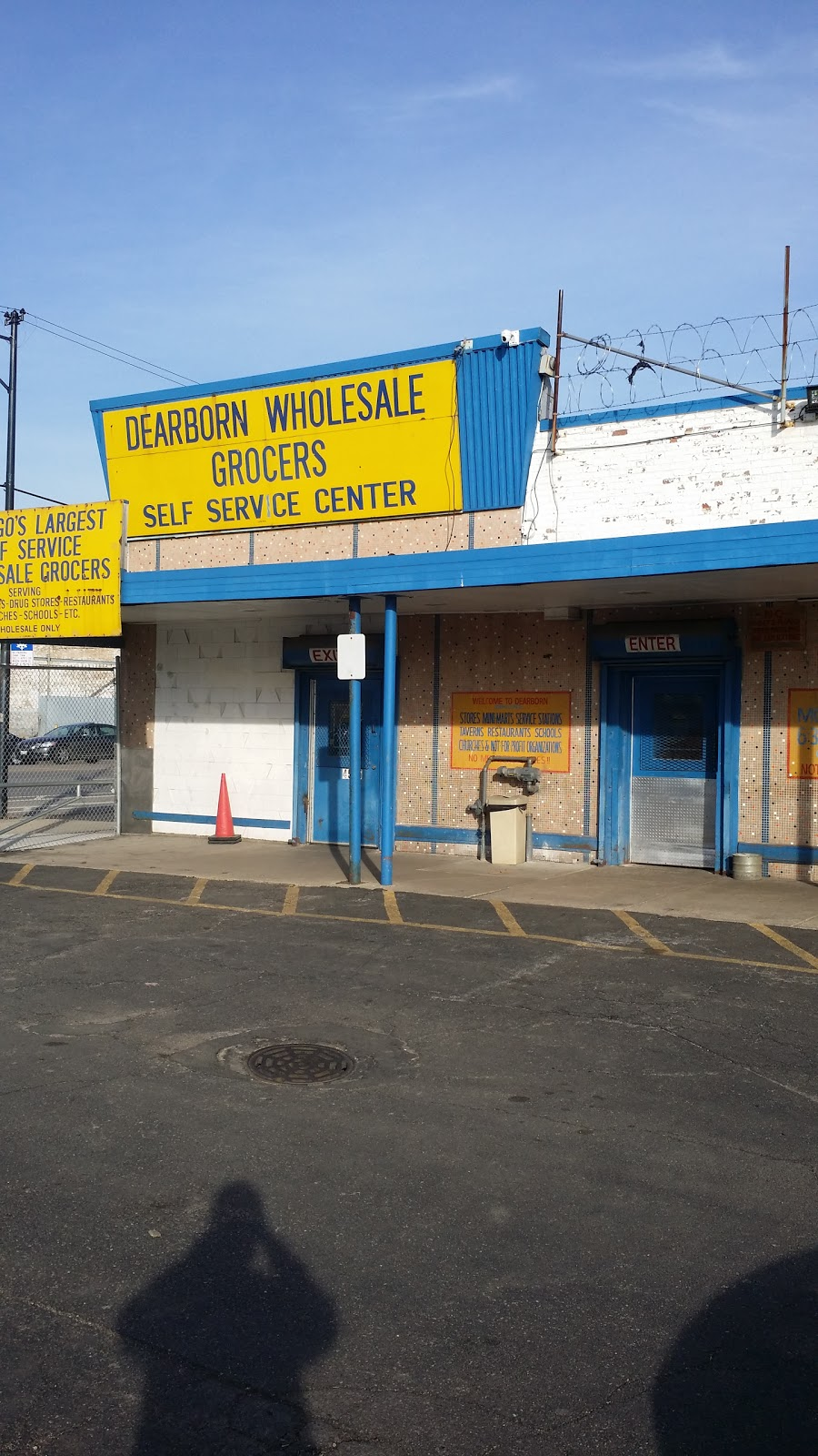 Dearborn Wholesale Grocers LP - food    Photo 1 of 10   Address: 4525 W Madison St, Chicago, IL 60624, USA   Phone: (773) 378-5353