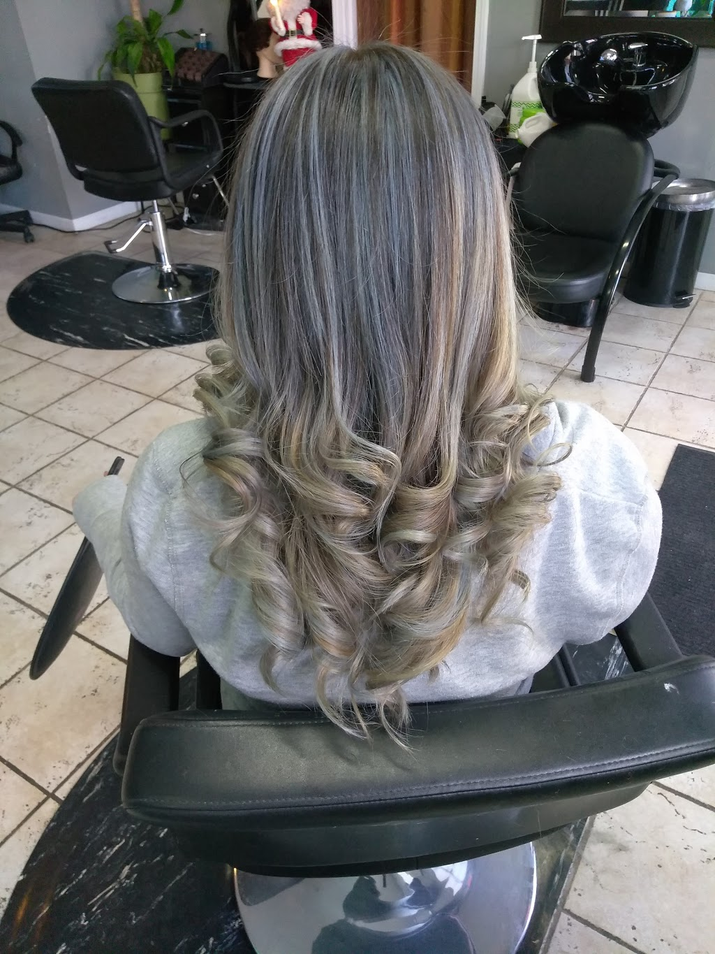 Emerge beauty by Enrique - hair care  | Photo 8 of 10 | Address: 1401 S 49th Ct, Cicero, IL 60804, USA | Phone: (773) 557-3525