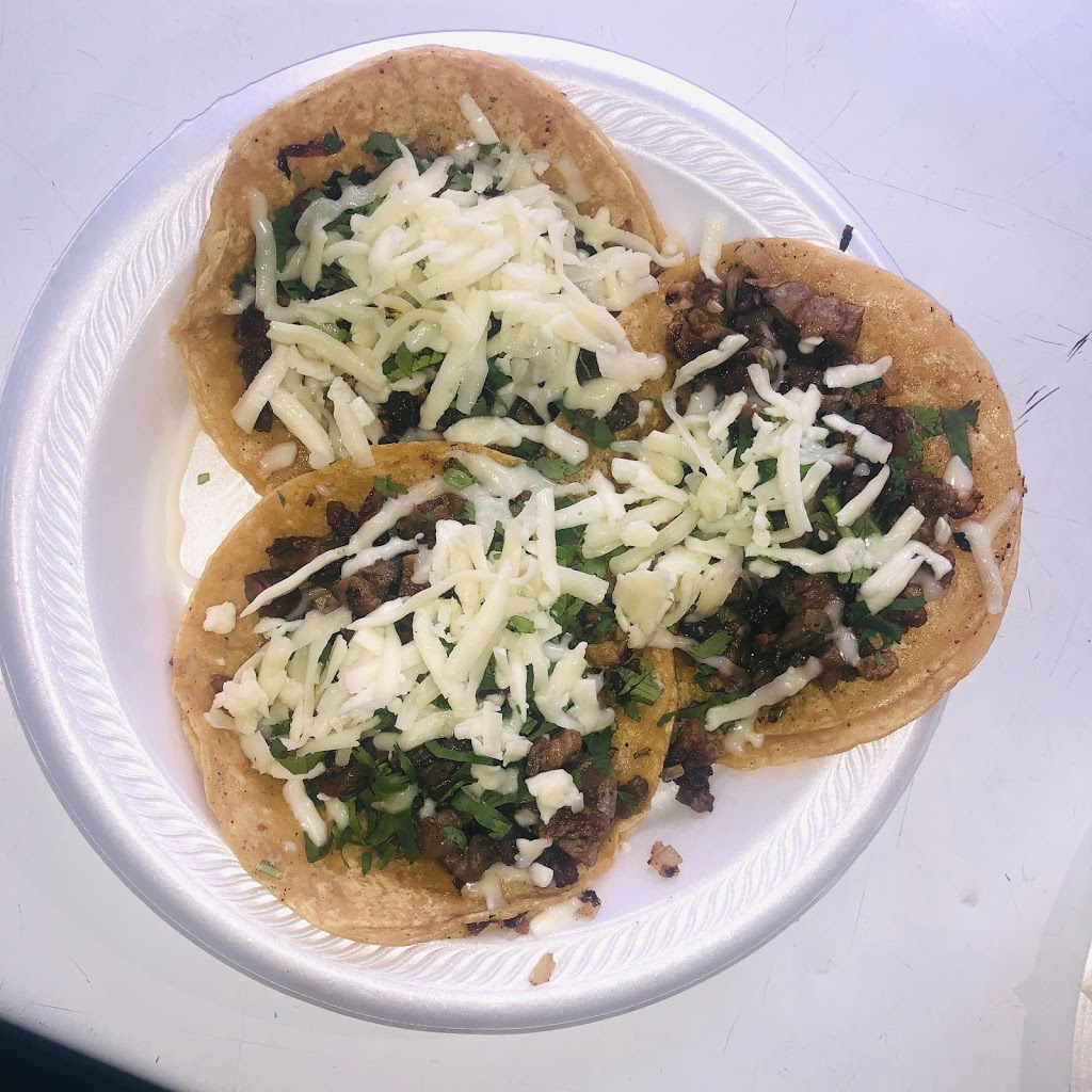 Panchitos Tacos Truck - restaurant  | Photo 4 of 10 | Address: 4900 W Gladys Ave, Chicago, IL 60644, USA | Phone: (773) 574-5964