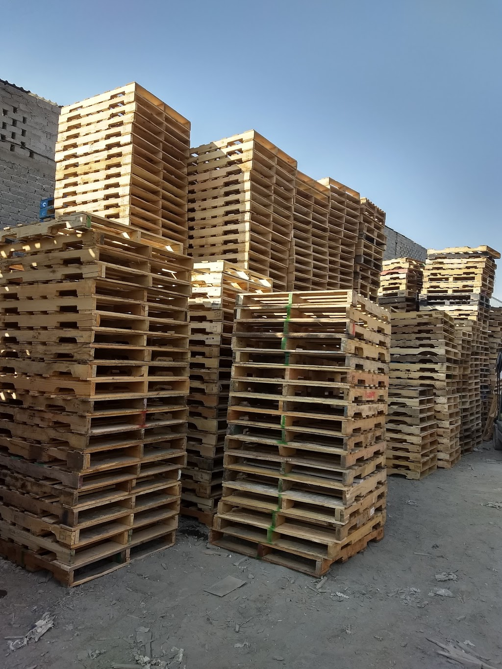 D & G Pallet Services Inc - point of interest    Photo 4 of 7   Address: 4445 W 5th Ave, Chicago, IL 60624, USA   Phone: (773) 265-8470