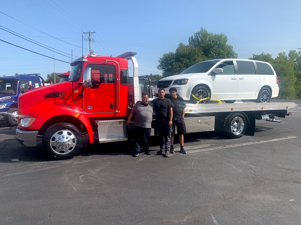 Saucedos Towing Service Inc. - point of interest    Photo 10 of 10   Address: 1246 S Cicero Ave, Cicero, IL 60804, USA   Phone: (708) 655-3023