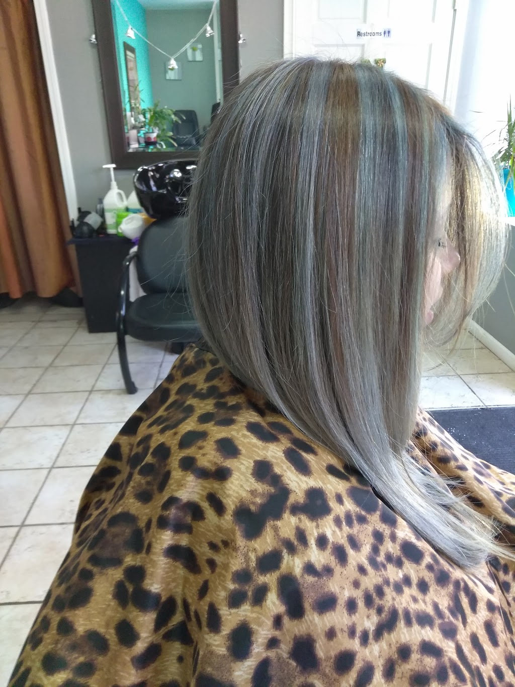 Emerge beauty by Enrique - hair care  | Photo 9 of 10 | Address: 1401 S 49th Ct, Cicero, IL 60804, USA | Phone: (773) 557-3525