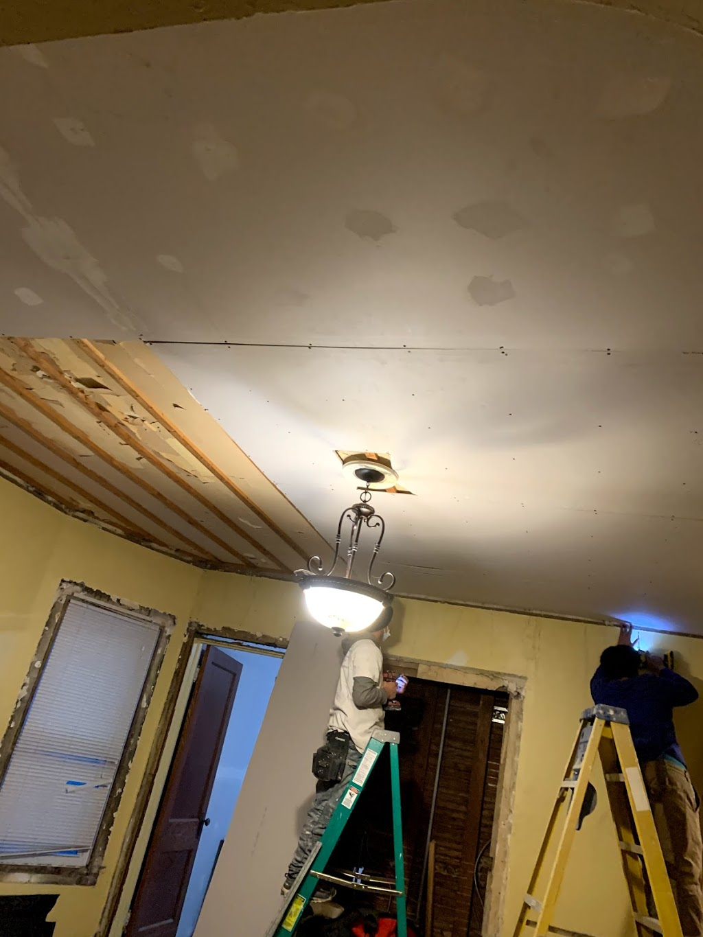 HK Drywall Services Inc. - painter  | Photo 9 of 10 | Address: 4517 W Adams St, Chicago, IL 60624, USA | Phone: (773) 526-3274